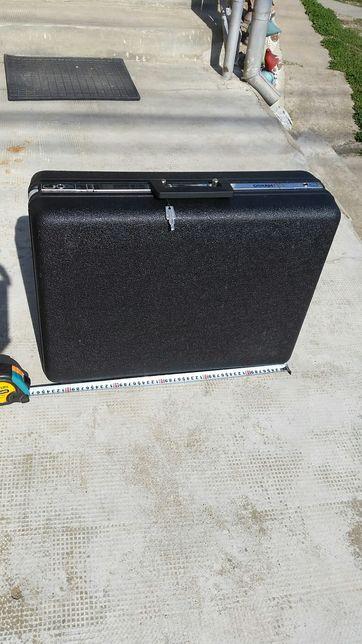 Geanta valiza diplomat mare (55/53/17 CM),din plastic dur, cu 2 chei