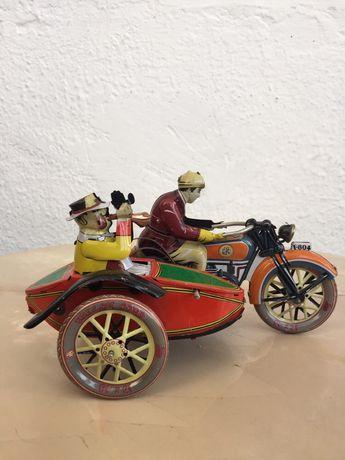 Jucărie metalică vintage