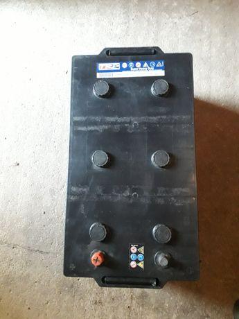 Baterie auto 12 V- 225 Ah