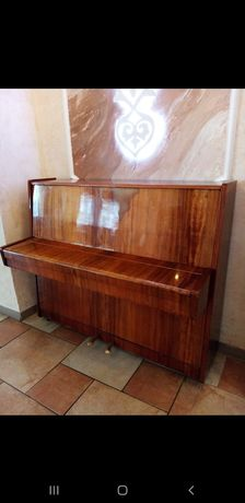 Продаю Пианино советского типа