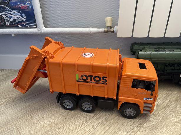 Машина мусоровоз bruder