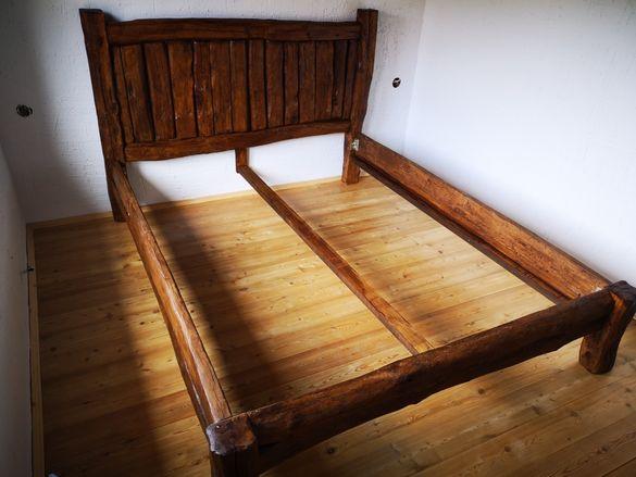 Спалня от стари греди