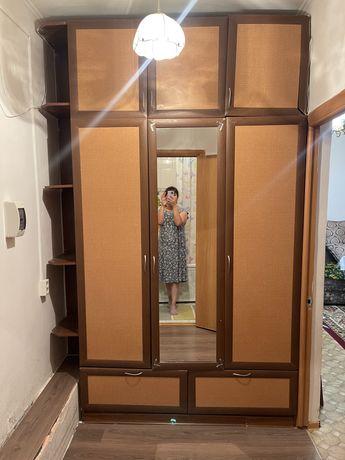 Срочно Шкаф для прихоже
