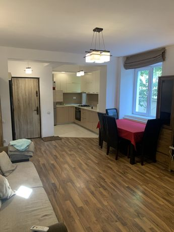 Apartament 2 cam,parcare in subteran, scara interioara living-dormitor
