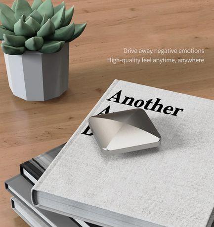 Метална антистрес играчка/спинър Anti Stress Kinetic Desk Toy