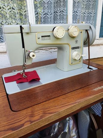 Срочно! Швейная машинка Подольск