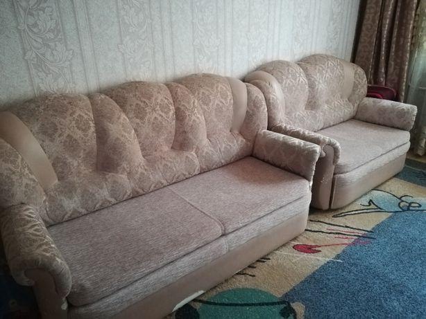 Продам диваны (тройка и двойка)