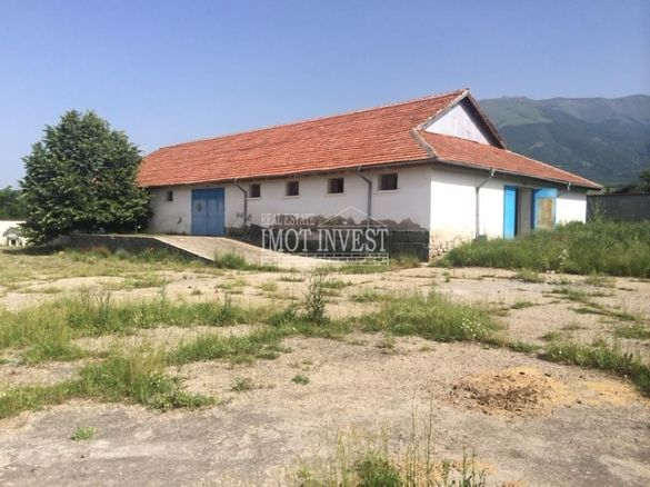 ПРОМИШЛЕН ОБЕКТ, ЦЕХ 600 кв.м., двор 3 дка, град Карлово