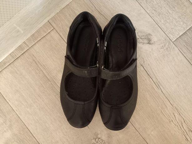 Женская обувь  продается   срочно