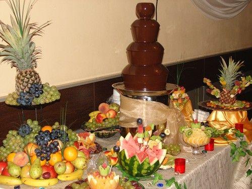 Fantana ciocolata candy bar bufet fructe cockteil bar mobil nunta