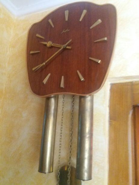 Ceas de perete cu pendul JUNGHANS