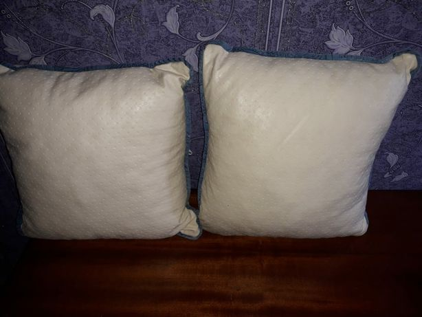 Продам две подушки
