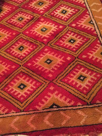 Чипровски килим на ромбоиди