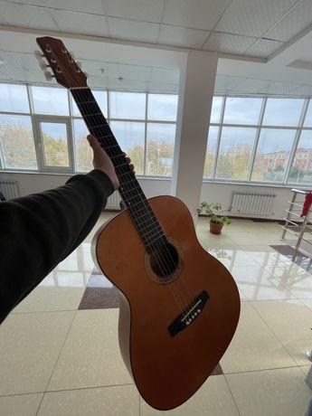 гитара в хорошем сост