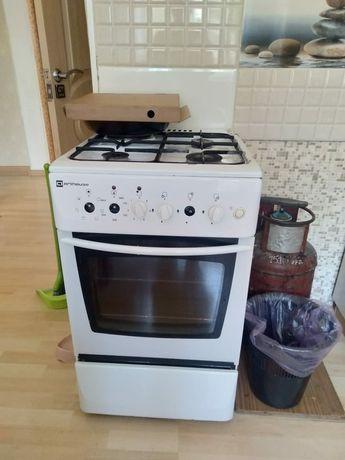 Газовая плита +духовка