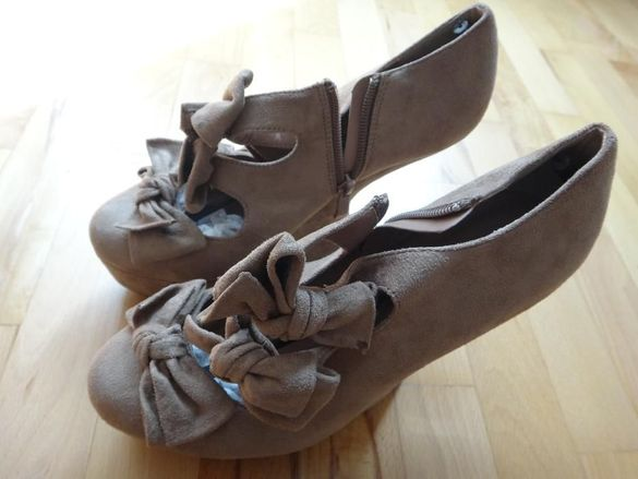 Дамски обувки на платформа (нови)