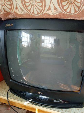 Продам телевизор в хорошем состоянии.