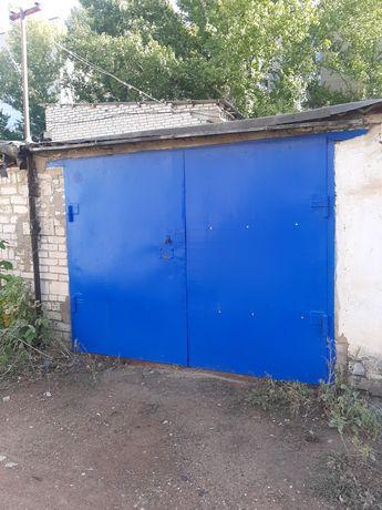 Продам гараж кирпичный с погребом район Школьник цена 1 млн тенге торг