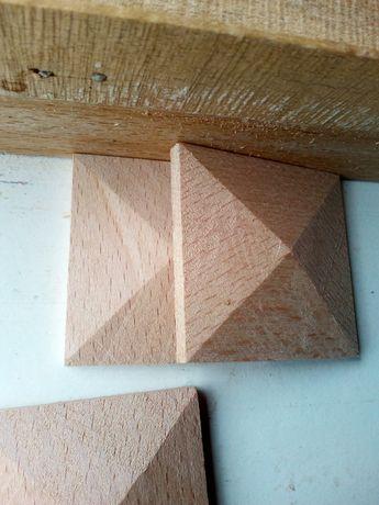 Пирамидки за декорация от дърво