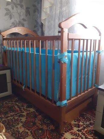 Кроватка с маятником+ матрасик