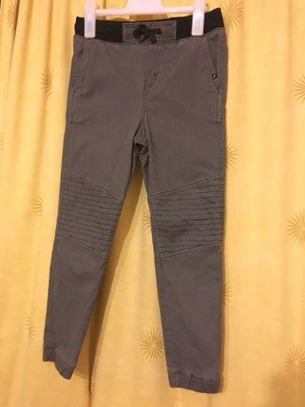 Pantaloni hm 140