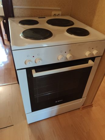 Bosch печка 4-х комфорочная и духовка