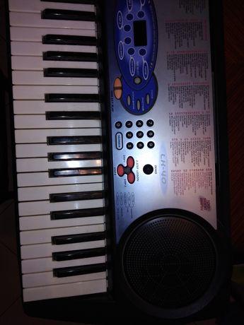 Синтезатор casio lk 40 със светещи клавиши