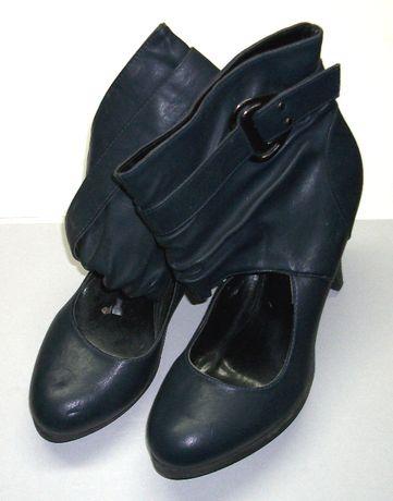 Vand pantofi de dama albastre, din piele, purtate de doua ori, mar. 40