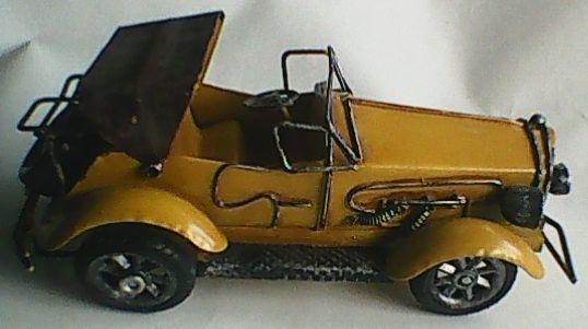 Masinuta macheta masina, veche, vintage din tabla 20x10x9 cm