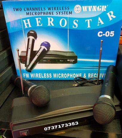Set x 2 microfoane wireless model C-05/ karaoke