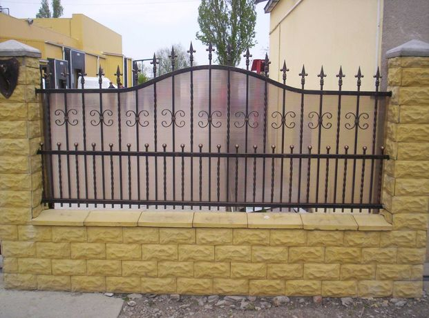 Garduri si porti stil jaluzea, fier forjat, sipca, BCA, plasa, placi