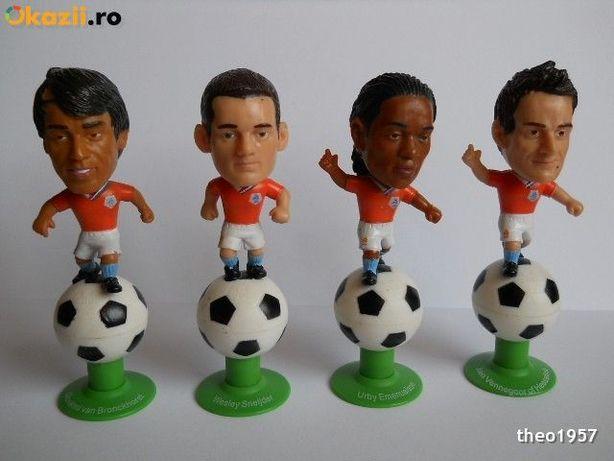 Vand SET 4buc. figurine fotbalisti.