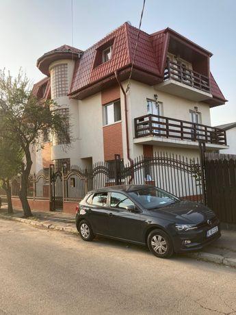 Apartament 3 cam. in vila+curte+2 loc. Parcare, Aparatorii Patriei