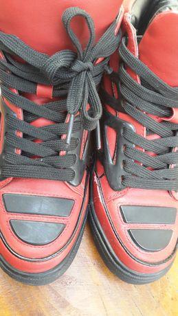 Кецове, червено и черно