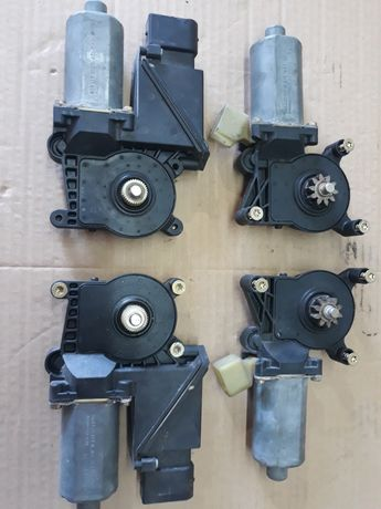 Моторче с редуктор за стъклоповдигач на мерцедес w210 и w202