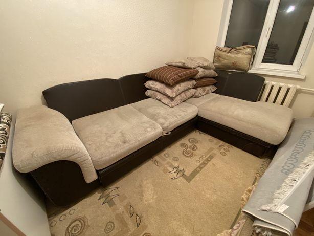 Продам диван уголный