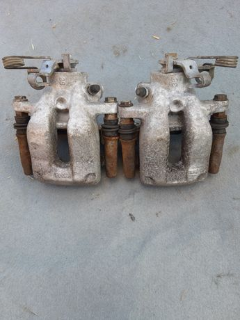 Спирачни апарати задни за Пежо 407 2005г в Уникално състояние
