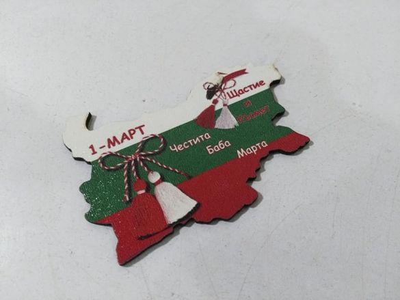 Магнитни стикери върху дърво за 50 броя форма като картата на България