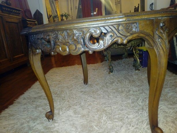 Masuta sculptata lemn veche Louis Phillippe