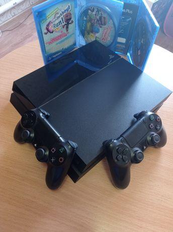 PlayStation4 (PS4) + 2 джойстика и игры + акк