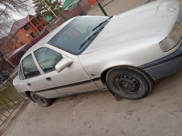 Продам машину марки Опель вектра 1991 года