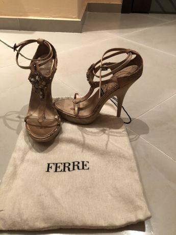FERRE,Ravel,TWICE,Calvin Klein,Miss Sixty,Benetton,GiAnni,BCBG