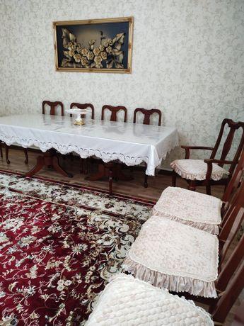 Продам гостиную стол со стулями