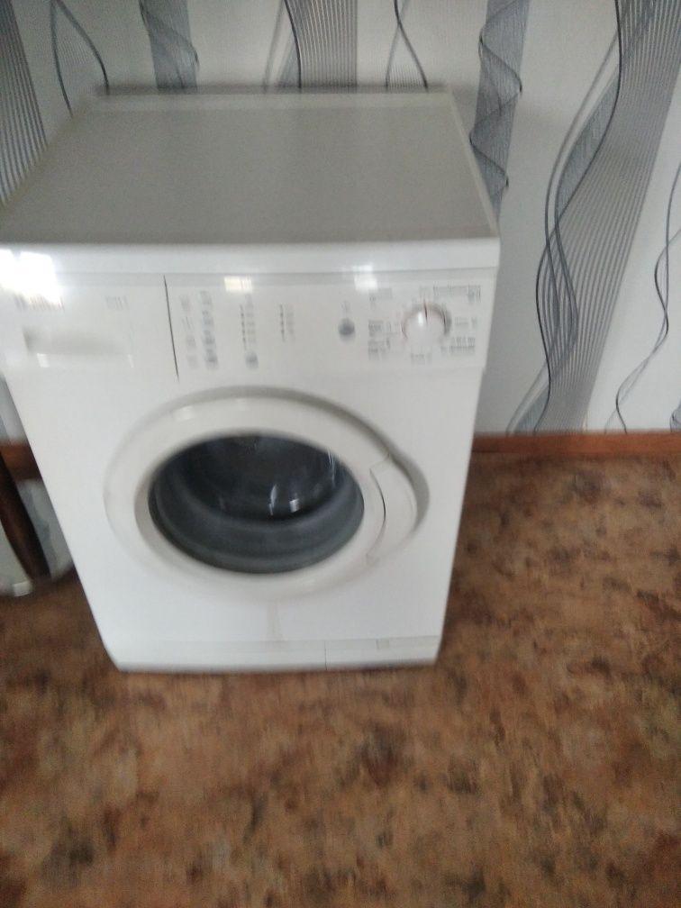 Срочно в связи с выездом стиральная машина Bosh 6 кг
