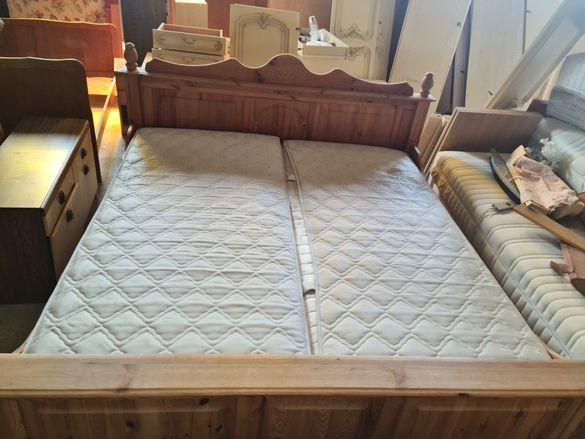 Масивна спалня с 2 подматрачни рамки + 2 матрака.Внос от Европа.