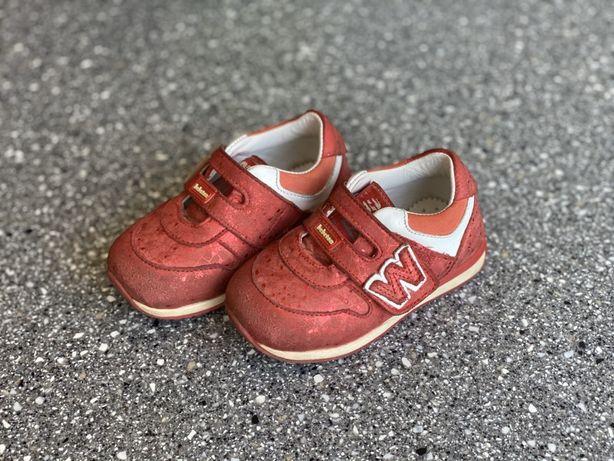 Детские кроссовки bebetom