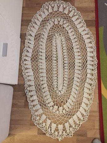 Ръчно плетена покривка