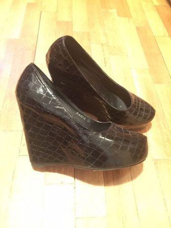 Продавам обувки на висок ток