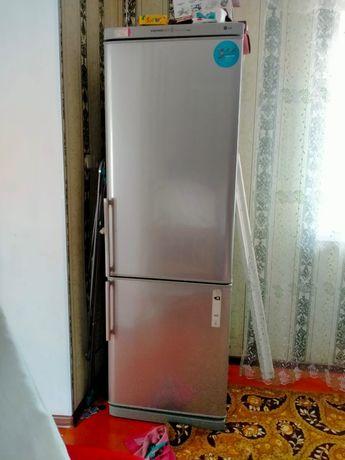 Холодильник LG требует ремонта
