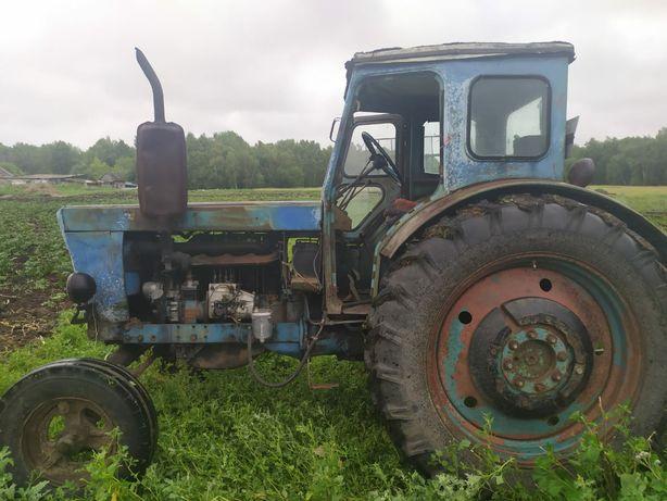 Продам трактор Т-40, телегу (сеновозку),зиловскую телегу, сенокосилку.